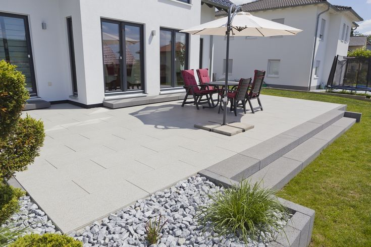 Terrasse  Sitzecke und Grilllounge  die Terrasse ist zentrales Element im Garten…  # Gartengestaltung Terasse
