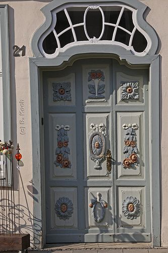 Beautifully ornamented door | Wunderschön verzierte Tür ...… | Flickr