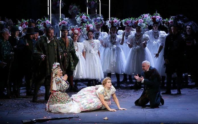 Torna alla Scala Der Freischütz di Carl Maria von Weber. Sul podio d'orchestra Myung-Whun Chung, regia di Matthias Hartmann. La recensione.