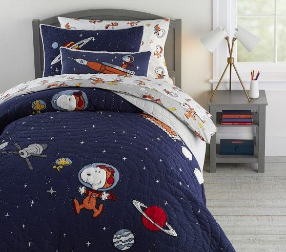 Glow In The Dark Snoopy 174 Space Quilt In 2020 Outer Space