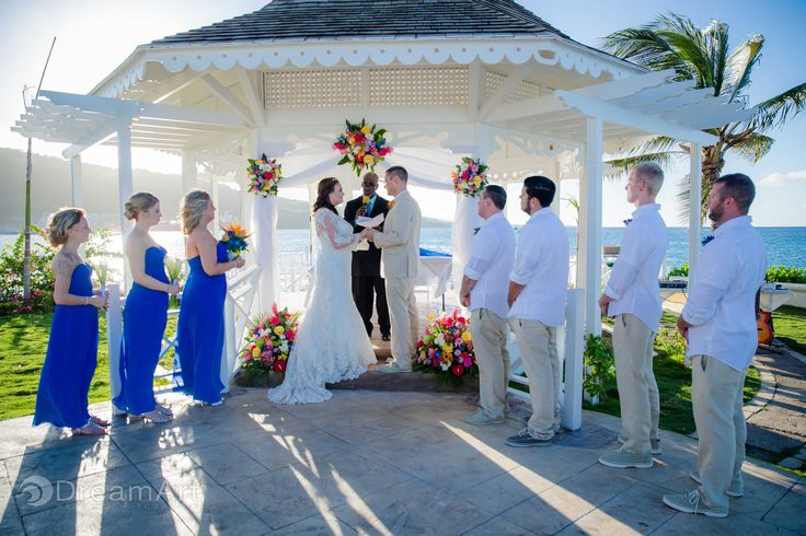 Tropical colors add that island feel to any #destinationwedding like this one at Moon Palace Jamaica Grande