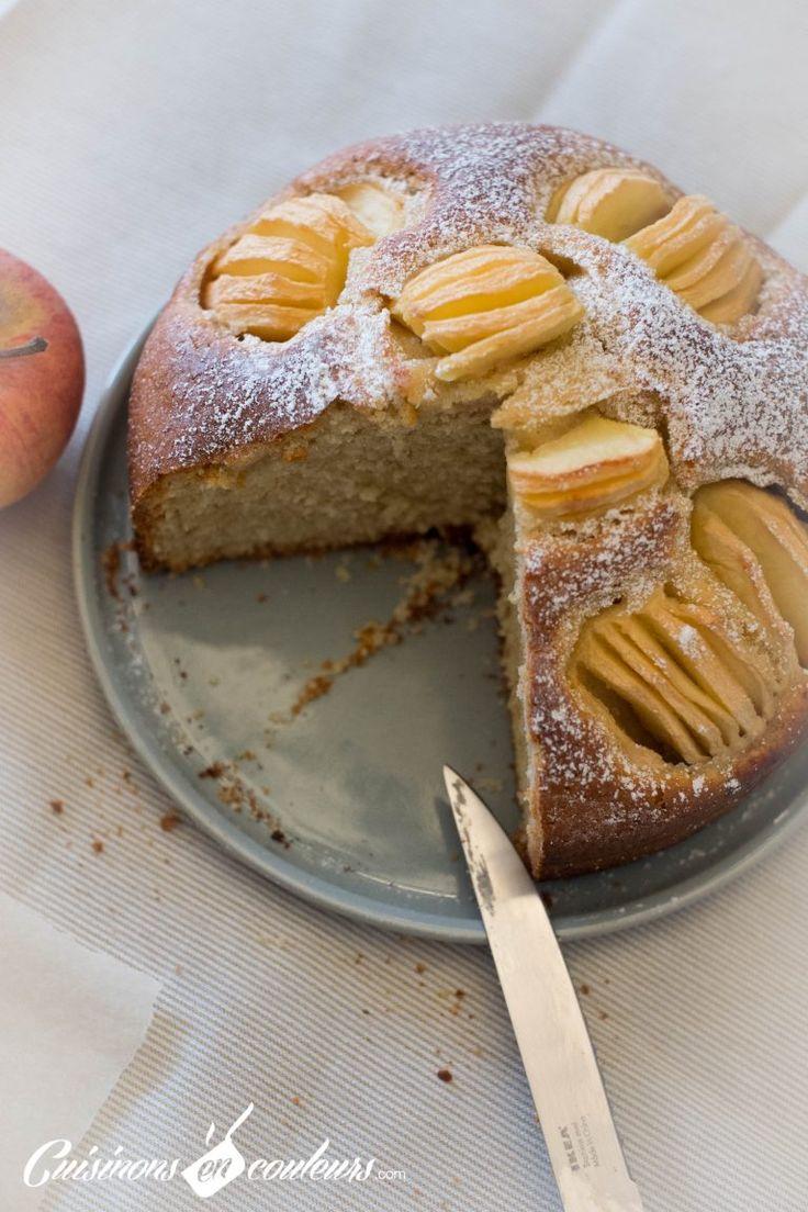 Une recette de l'excellent gâteau aux pommes : facile à faire, à préparer en 5 minutes chrono et sans batteur : tout se fait avec un bol et une fourchette..