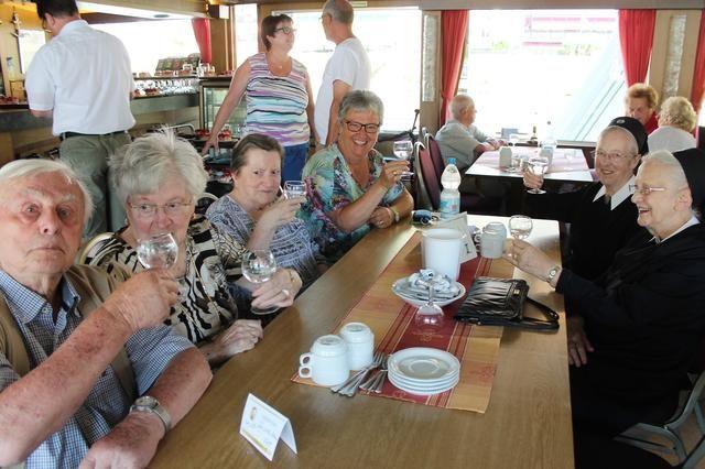 Senioren an Bord: Eine Schifffahrt, die ist lustig - Rhein-Zeitung Cochem-Zell - Rhein-Zeitung
