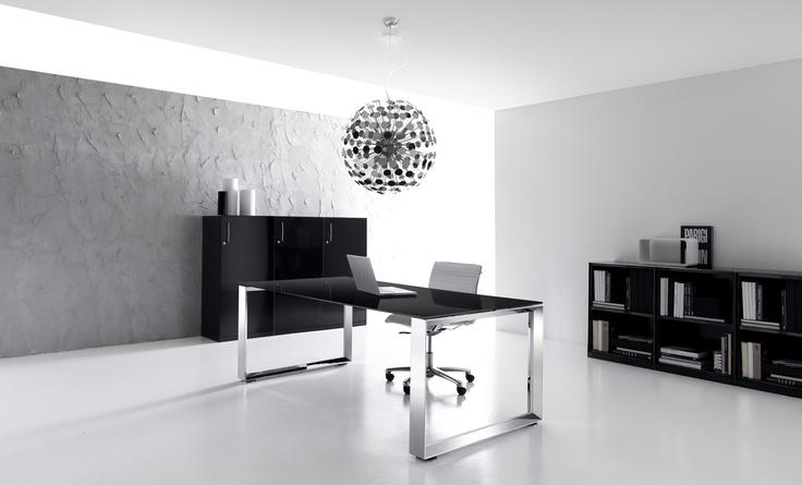 Vetro nero e acciaio: lusso, esclusività ed energia.  #TECNOTELAI #DESIGN #BOLOGNA