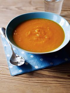 This carrot soup recipe is the ideal starter for a Sunday roast. It can easily be made the day before.