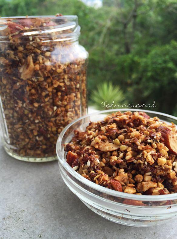 Granola csseira com trigo sarraceno
