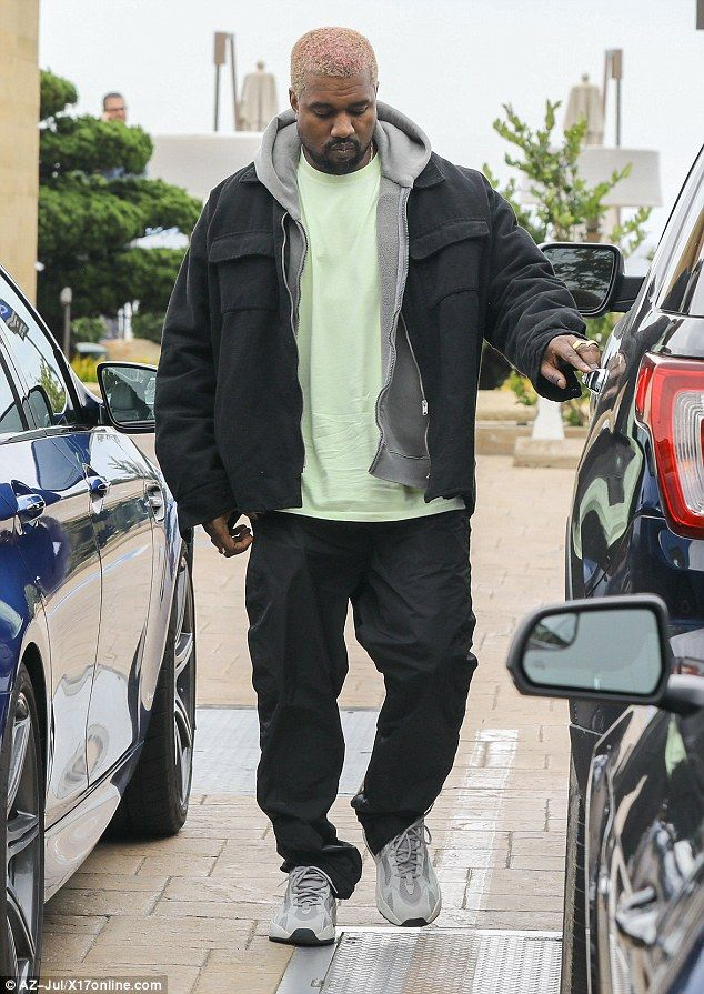 Kanye West Is Spotted During Rare Outing With Dad Rayin Malibu Kanye West Outfits Kanye Fashion Kanye West Style