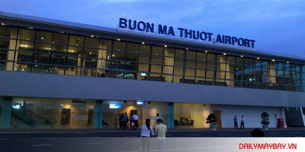 Vé máy bay Buôn Ma Thuột Hà Nội được bán qua HOTLINE 0919.302.302 gọi để đặt mua vé máy bay Buôn Ma Thuột đi Hà Nội giá rẻ ngay hôm nay nhé.
