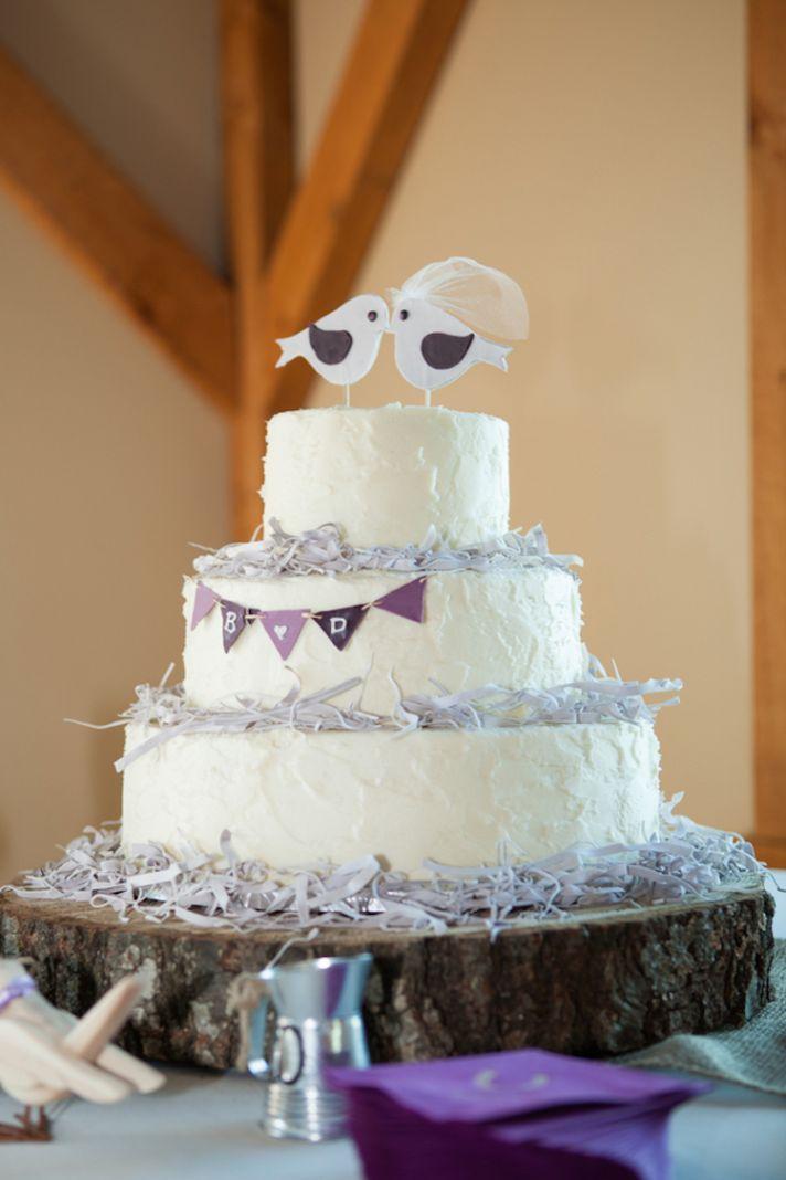 The Ultimate Country Wedding:   Rustic love birds wedding cake