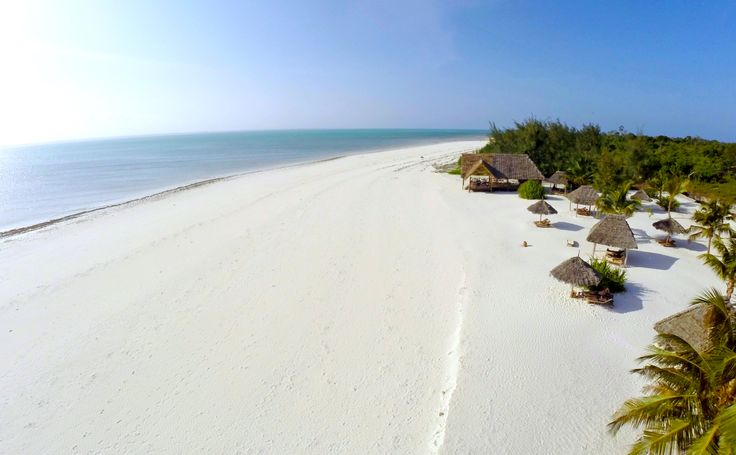 Splendid view of the beach at Konokono during the middle tide. The white sand is amazing...