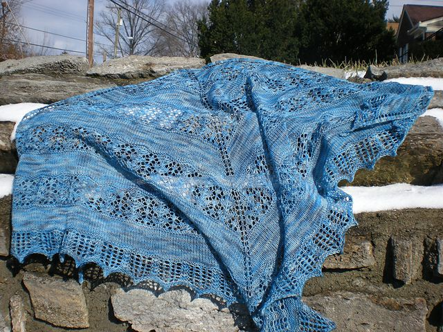 Ravelry: Snow Prints pattern by Chrissy Prange