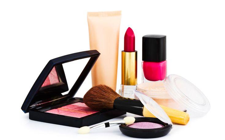 Make-up heeft net als voedsel een houdbaarheidsdatum. De tijd gaat in zodra je de verpakking opent. Let er dus op dat je geen make-up koopt met een aangebroken verpakking.