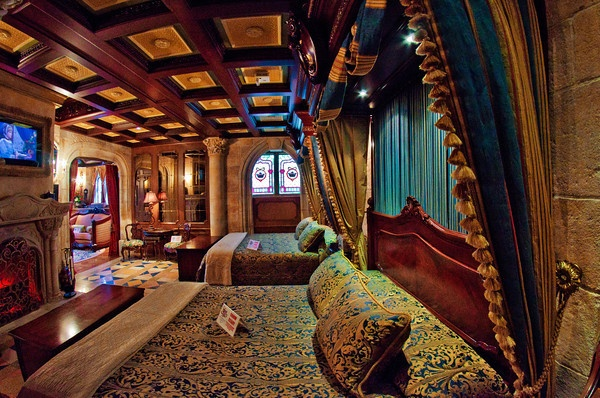 Disney decided to complete the suite in 2005. Today its called the Cinderella Castle Suite, and it looks like this.