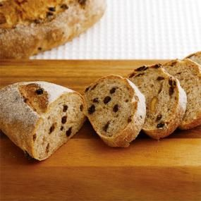 カレンズ&ナッツのライ麦パン(TKスターターのサワー種使用)