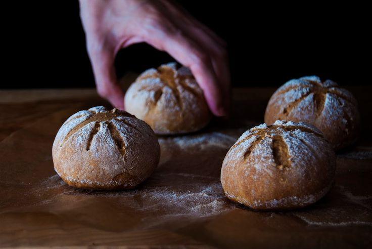 La asaltante de dulces: Receta de panecillos de cerveza negra/ Stout breads recipe