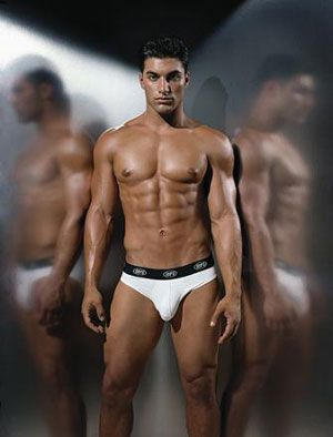 78 best images about sensualidad de l on pinterest for Hombres sin ropa interior