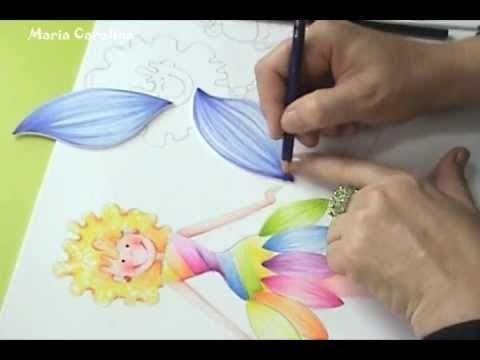 DIY  craft manualidades  Maria Carolina Rugero Hada en Creyon sobre foam...