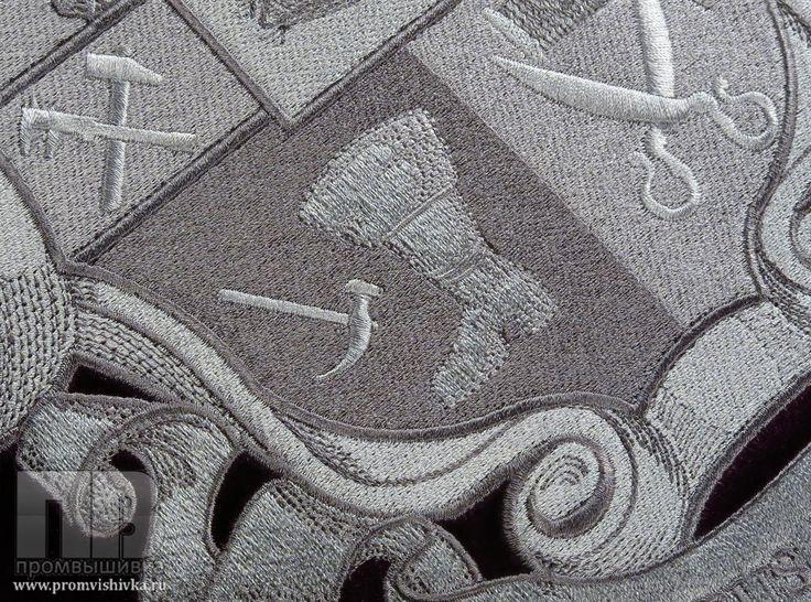 Узоры вышивки подушек серебряной нитью