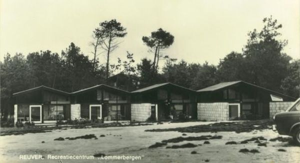 De Lommerbergen, bungalows naar een ontwerp van Jaap Bakema.