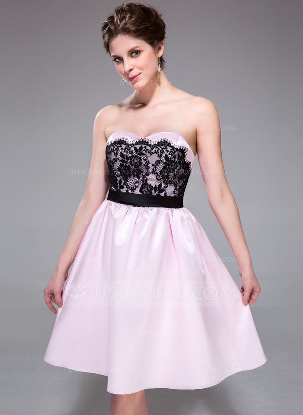 A-Line/Princess Sweetheart Knee-Length Satin Bridesmaid Dress With Lace (007037292)
