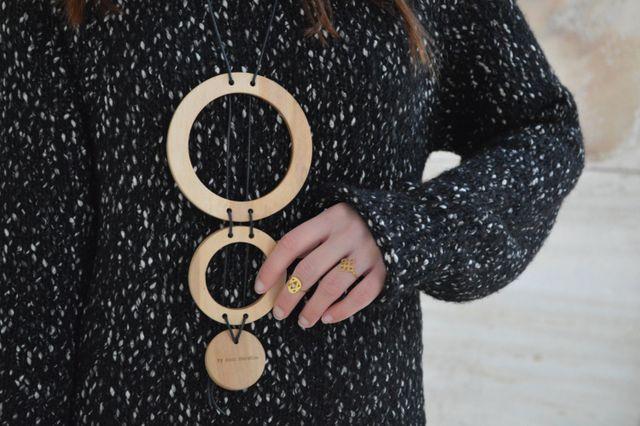 Γεια σας φίλες και φίλοι μου, Στο σημερινό ποστ θα μιλήσουμε για τα πουλόβερ και το πως μπορούμε να δείχνουμε στυλάτη το χειμώνα. Το κρύο είναι τσουχτερό και σίγουρα σκέφτεστε πως πρέπει να φορέσετε π
