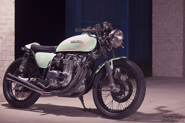 cb550: Honda Cb550, Cars Motorcycles, Motorbikes Galleries, Black Wheels, Cb550 Cafe, Honda Motorcycles, Motorcycles Racers, Cb550 Motorbikes, Cafe Racers