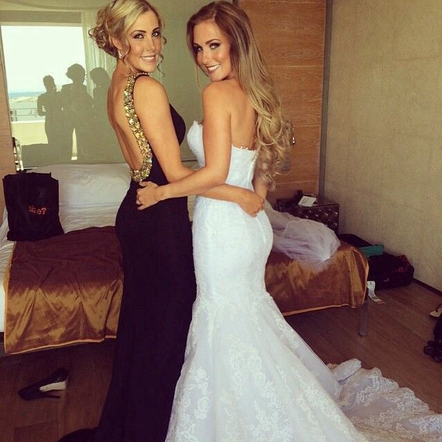 Need a bff picture like this for prom.