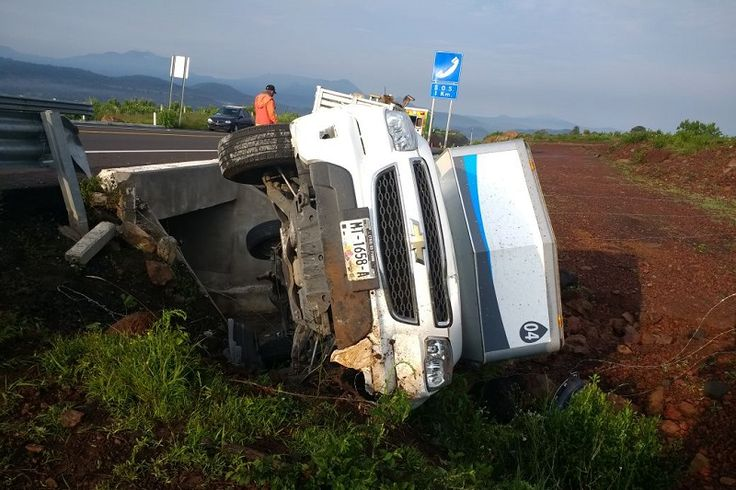 El accidente se registró el sábado, a la altura del kilómetro 47; los involucrados son una camioneta Chevrolet tipo Silverado, de color negro, y una camioneta Chevrolet tipo S-10, de ...