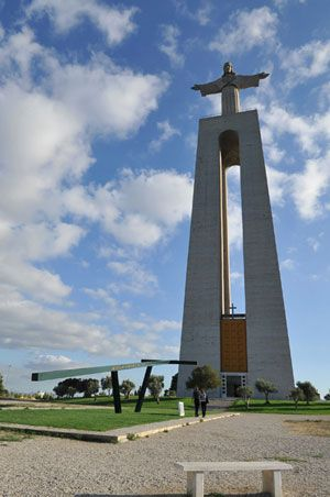 Almada and the Shrine of the Christ the King statue is a Catholic monument and shrine dedicated to the Sacred Heart of Jesus in Almada, Lisabon in Portugal. https://www.pilgrim-info.com/almada-shrine-christ-king/