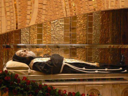 San Giovanni Rotondo: entra nel vivo la festa per San Pio - http://blog.rodigarganico.info/2013/gargano/san-giovanni-rotondo-entra-nel-vivo-la-festa-san-pio/