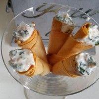 Filodeeg hoorntjes met zalm vulling : Recepten van Domy