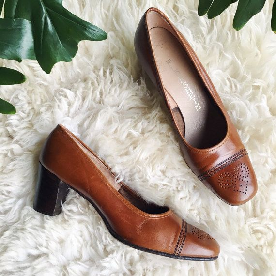 60s Mod Shoes, 6 6.5 FLORSHEIM IMPERIAL Brown Leather Heels, Oxford Pumps, 1960's Vintage Leather Shoes, Chunky Heels by SurfandtheCity