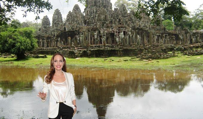 Film Kamboja, Rumah Kedua bagi Angelina Jolie Film Kamboja, Rumah Kedua bagi Angelina Jolie Nampaknya perceraian enggak jadi halangan bagi seorang Angelina