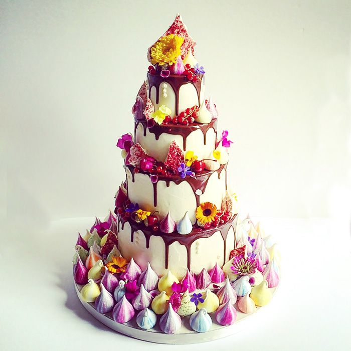 How to Create the Perfect Meringue-Inspired Wedding Cake | www.weddingsite.co.uk