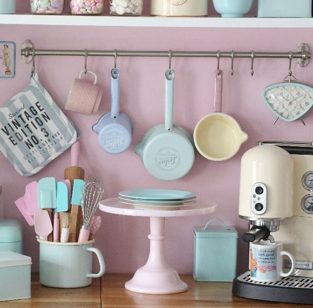 Perfect baking utensils.. pastels!!