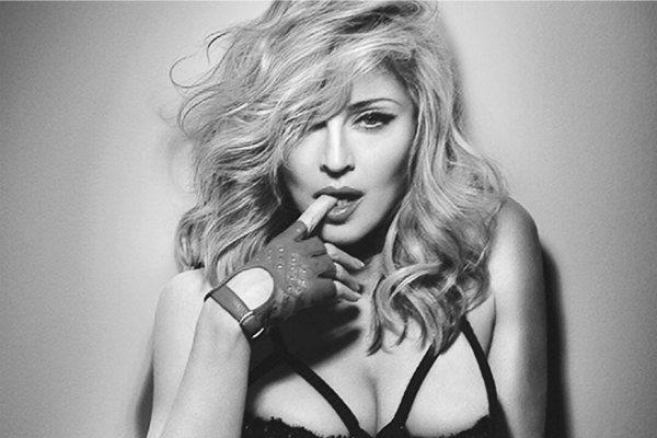 Madonna Kembali Jatuh ke Pelukan Daun Muda