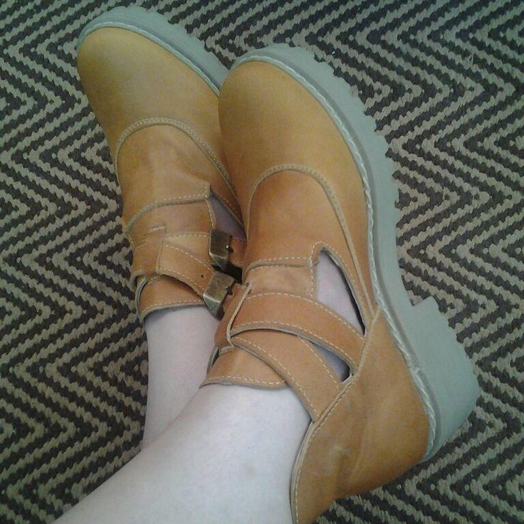 Amo mis nuevos zapatos!