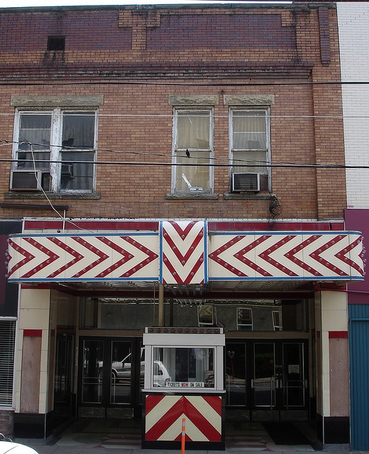 17 Best Images About Theatres On Pinterest: 17 Best Images About Logan County, WV On Pinterest