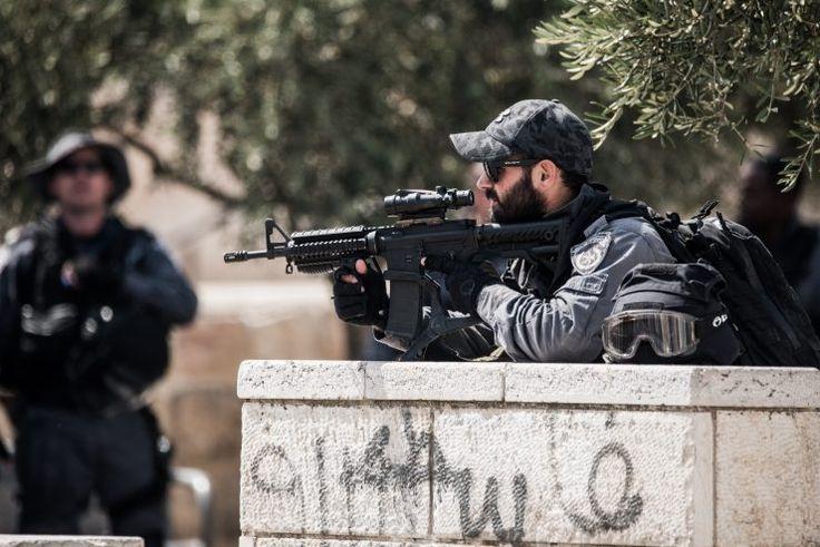 Muslim-Arab Killed by Own Explosive Device as Jerusalem Riots ContinueThe Jewish Press | TPS / Tazpit News Agency | 1 Av 5777 – July 23, 2017 | JewishPress.com