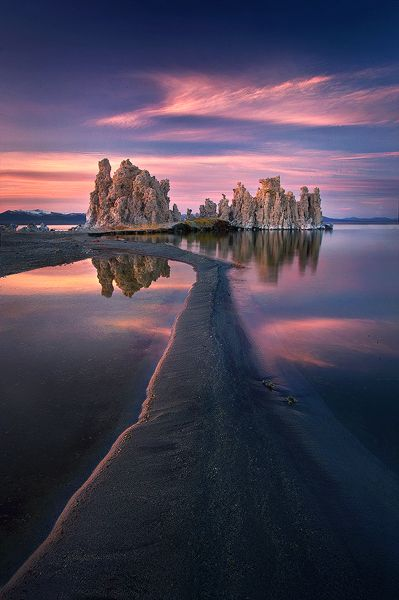 ✯ Mono Lake, California, USA--This lake is remarkable. You truly feel as though you are on another planet when visiting here. It is located near the south entrance to Yosemite.