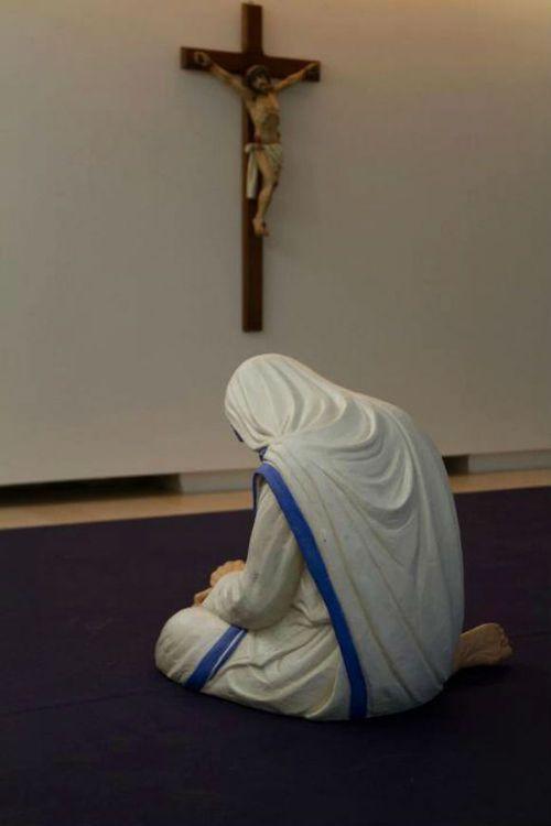Catholic nuns and priest 3