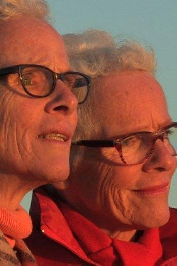 Tweelingzussen nemen KNGF Geleidehonden op in testament