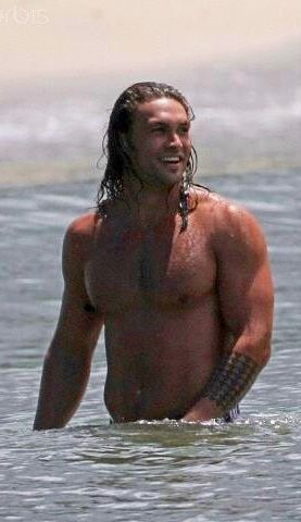 Jason Momoa ¸.•`♥¸.•`♥ Sexy Shirtless in the Ocean