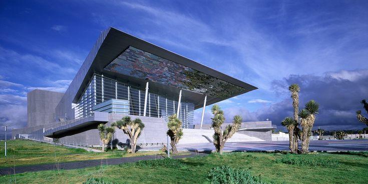Teatro auditorio Gota de Plata Jaime Varon, Abraham Metta, Alex Metta / Migdal Arquitectos http://www.envolvente-arquitectonica.com/