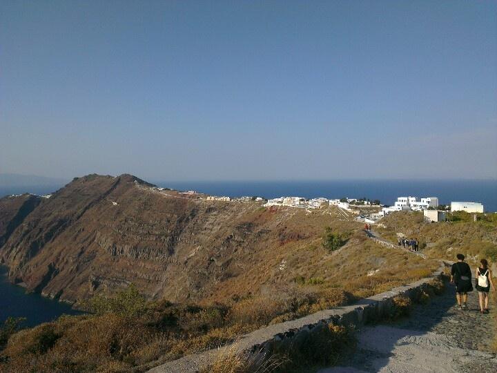 The trail from Firastefani to Oia, Santorini, Greece