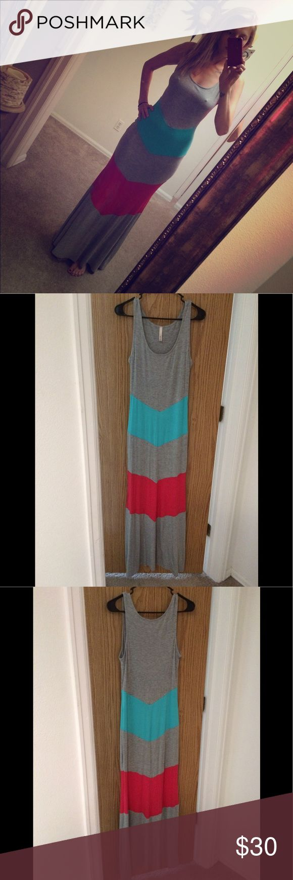 Modern Vintage Boutique Color Block Maxi Dress Color Block maxi dress from Modern Vintage Boutique. Size small 4/6. Great condition, I just don't wear it enough, probably a couple times. Modern Vintage Dresses Maxi