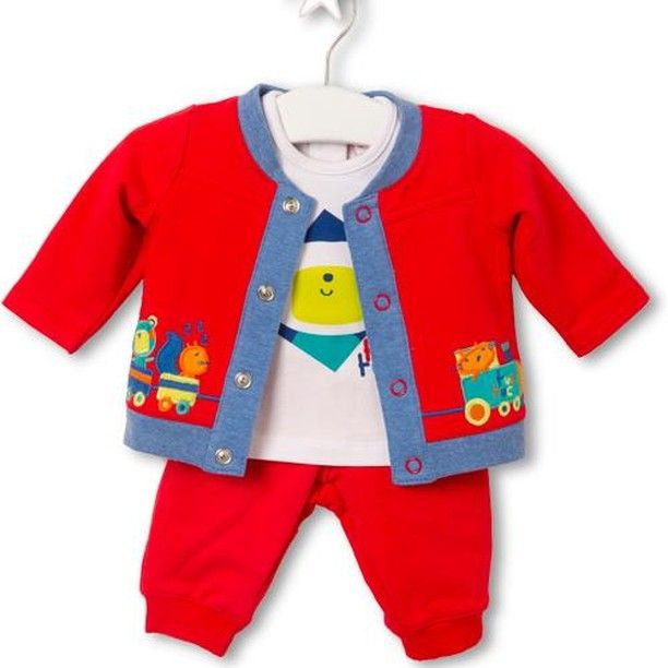 Our Chu Chu Train Set contains of 3 pieces: a jacket, t-shirt, and trousers. Your little one will be comfortable, cosy, and warm. This set is great on its own or as a pram suit. If you want to make your baby even more warm in the pram, get a matching Footmuff. Our Price £15.03 #winter #rain #rainydays #ukweather #babyshower #baby #babiesofinstagram #babydaddy #babystagram #instagood #instababy #kidsmodel #kids #cute #instagrambabies #trendytots #mytinymoments #mum #kidswear #babyootd