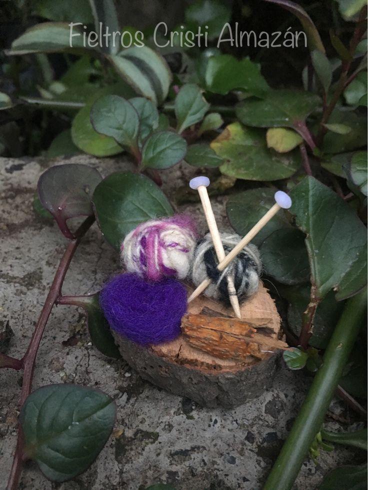 Miniaturas de lana y vellón para regalarle a mis alumnas para el día de la madre!!💕  Feliz día mis tejedoras!!!!🤗