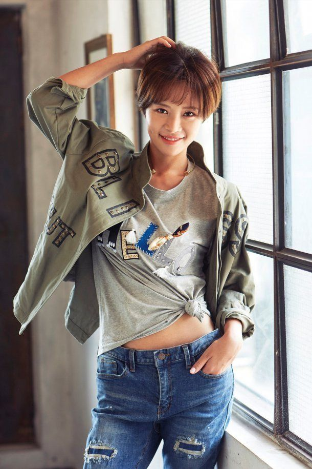 Hwang Jung Eum is adorable and lovely even in b-cuts for 'Muzak' | http://www.allkpop.com/article/2016/08/hwang-jung-eum-is-adorable-and-lovely-even-in-b-cuts-for-muzak