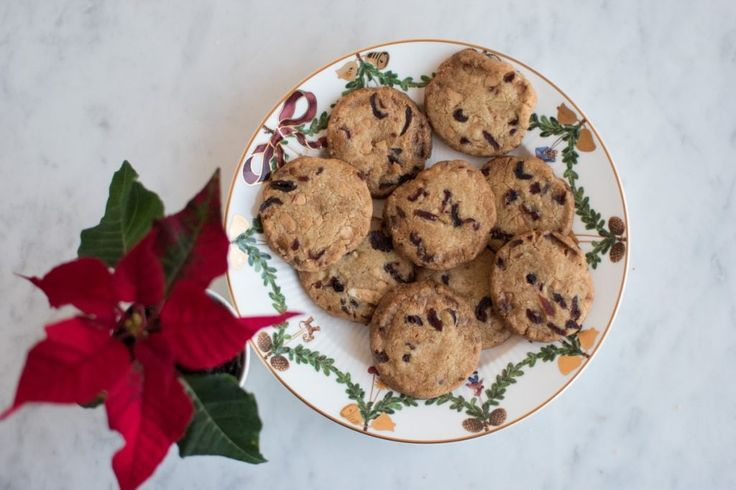 6. december – Sprøde småkager med tranebær, hvid chokolade og lakrids | Anne au Chocolat | Bloglovin'